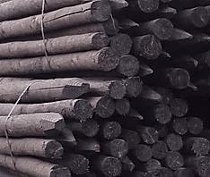 afrastering houten palen donker
